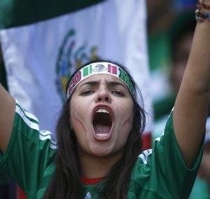 Aficion-Mexico-Mujer