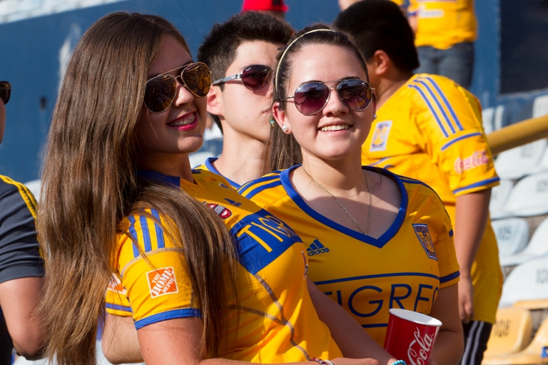 Foto previo al partido Tigres vs Atlas, Liga BBVA Bancomer MX , Torneo Clausura 2014, Jornada 17, en la foto: Fans   26/04/2014/MEXSPORT/Eliud de la Torre  Estadio : Universitario